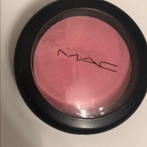 MAC blush in Stay Pretty
